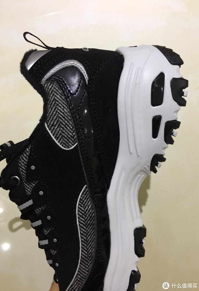 舒适保暖兼备 斯凯奇加绒熊猫鞋