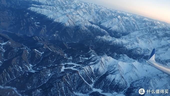 新疆是个好地方:沙漠、海子、胡杨林