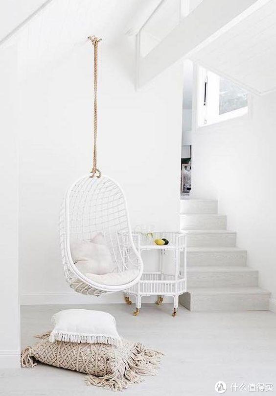 有一种空间舒适感,需要依靠吊椅来完成