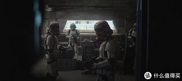 帝国残余,浑身脏乎乎的白兵。