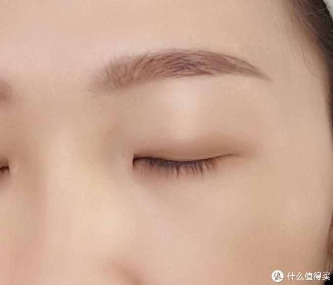 五分钟搞定细腻的肌肤、高挑的鼻梁、有神的眼睛~~给爱美的你推荐一套基础彩妆
