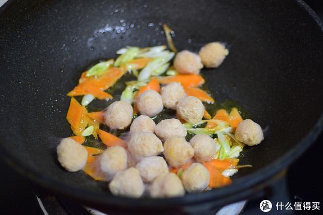 南方人最爱吃的炒米粉,原来做法这么简单,味道真香,赶快学起来