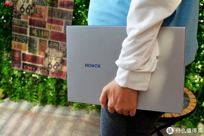 更轻薄更强悍!荣耀MagicBook 14锐龙版上手体验