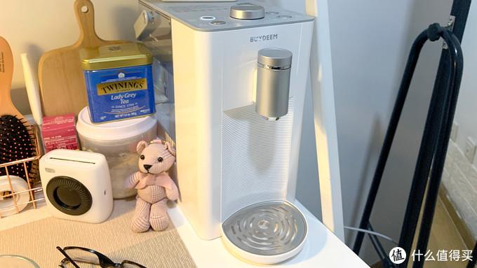 「Mark」一款看过就会爱上的北欧风高颜值桌面饮水机