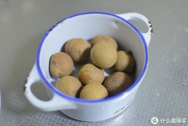 煮红豆粥的时候加了几个它,煮出的粥又香又营养,特别适合女人吃
