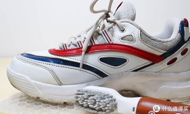 这款黑科技你见过吗?朴邻声波震动鞋刷测评体验