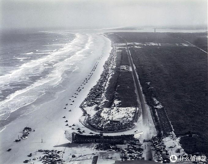 1955年,迪通拿海滩©ISC Archives via Getty Images