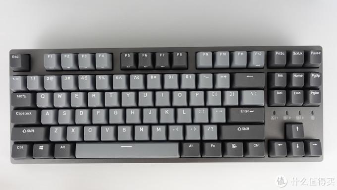 很规整的87键,本来我觉得没有小键盘根本没法用