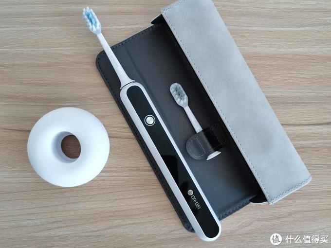 贝医生声波电动牙刷S7使用体验:无级变速,智能压感调节,刷出健康好牙齿。