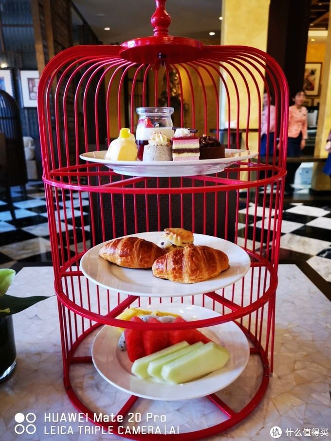 行政酒廊的鸟笼下午茶