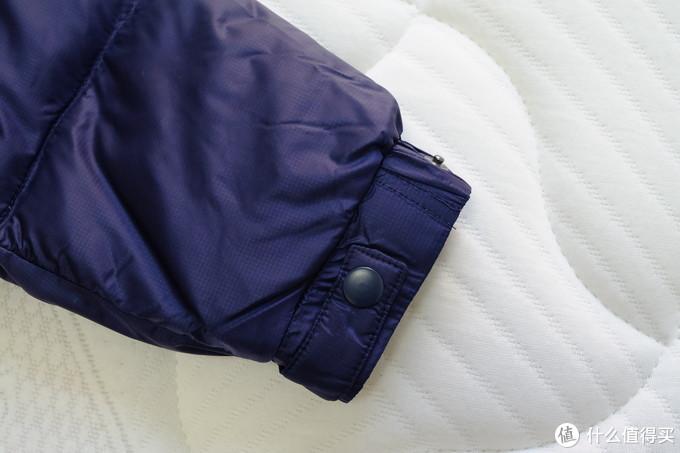 200元竟然可以买到充绒量达到230克的班尼路羽绒服