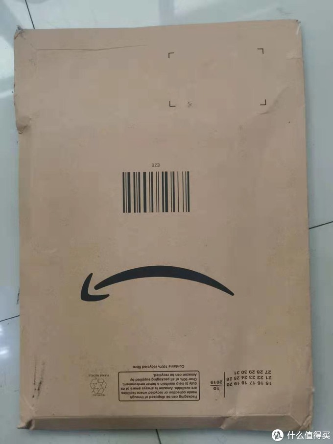 亚马逊直接一个快递封就过来了,快递打电话说有我的文件的时候还很好奇是什么文件,原来是硬盘。。。