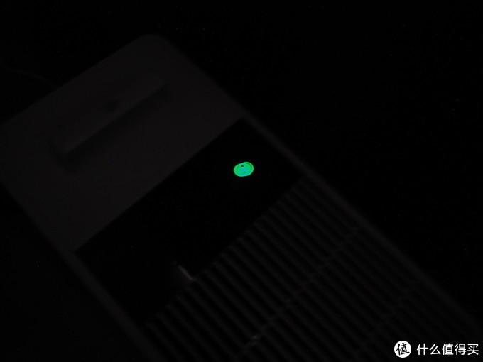 额 重影了 不影响大家感受这个电源灯的亮度