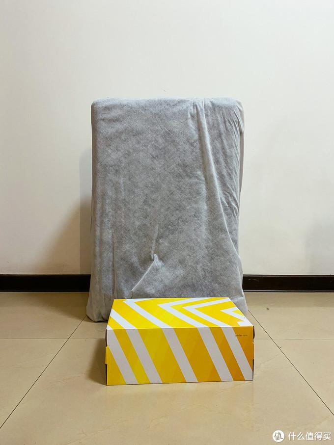 箱子很大,29寸看起来比28寸大蛮多
