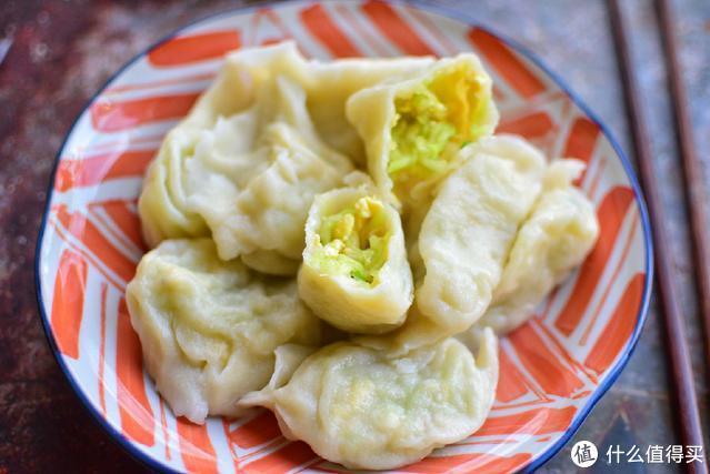 素馅饺子,我只爱吃这个馅,加点虾皮,特别香,早餐都能吃一盘