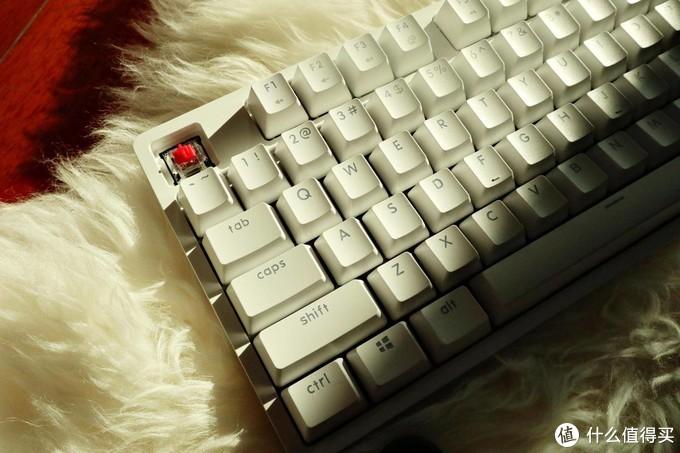 键盘我就喜欢冷冰冰-悦米机械键盘分享
