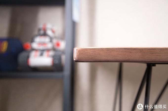 晒桌面3.0:喜欢原木的细节,更喜欢桌上的数码生活