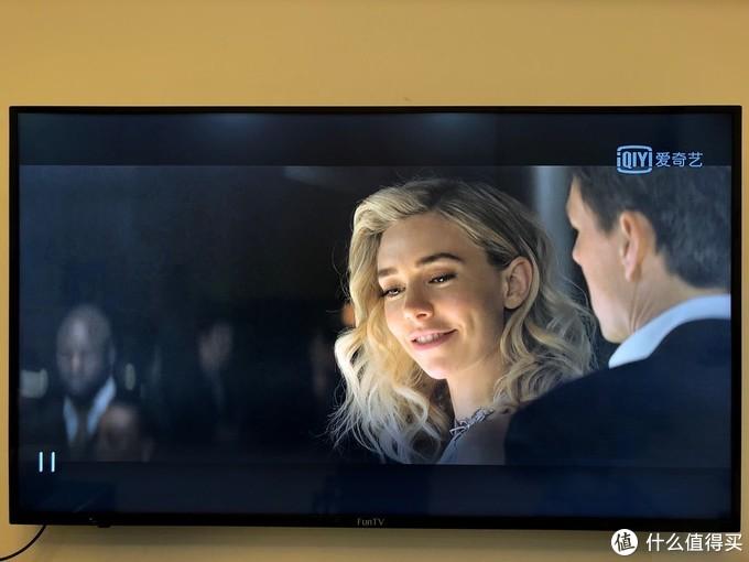电视果5S硬解4K信号到电视机上,手机翻拍电视机屏幕的照片