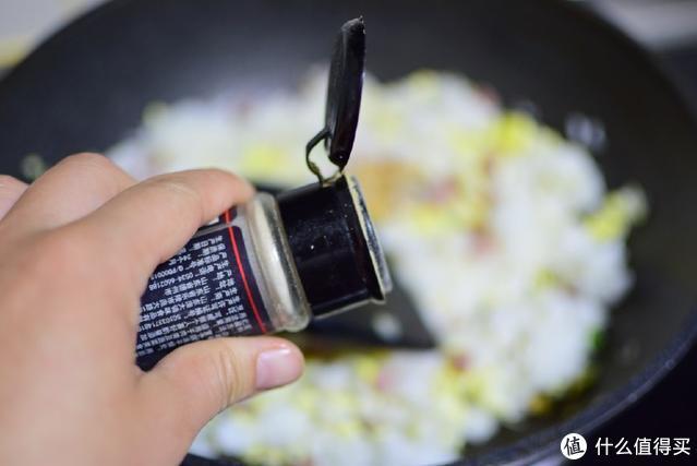吃了30年的蛋炒饭才知道,加了这种食材才是最好吃的做法,太香了