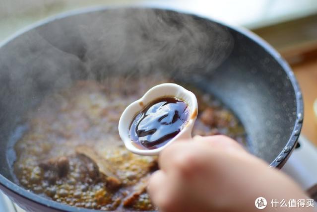 红烧排骨怎样做好吃?秘诀在这里,这样做焦香四溢,好吃又下饭