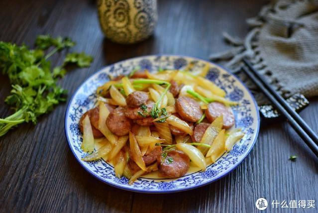 别再用鸡蛋炒洋葱了,它和洋葱才是最好吃的搭配,脆爽美味吃不够