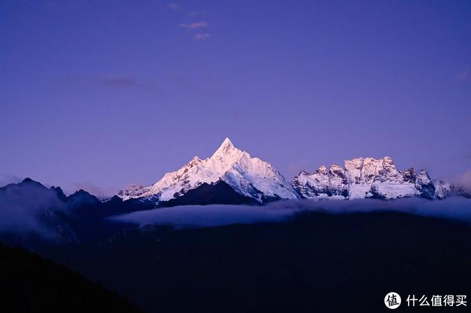黎明时分的神女峰