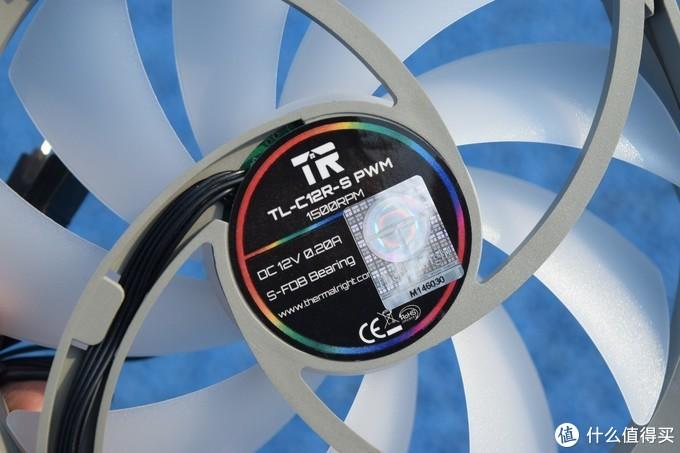 反向出风设计?可更好观灯的利民TL-C12R-S三连包幻彩风扇开箱