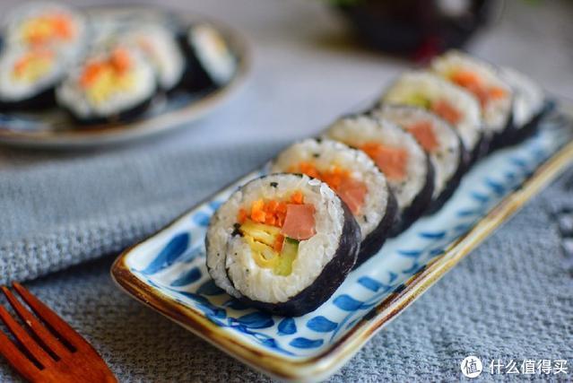 寿司店里一盒卖二三十的寿司,在家做只需要几块钱,做法特别简单