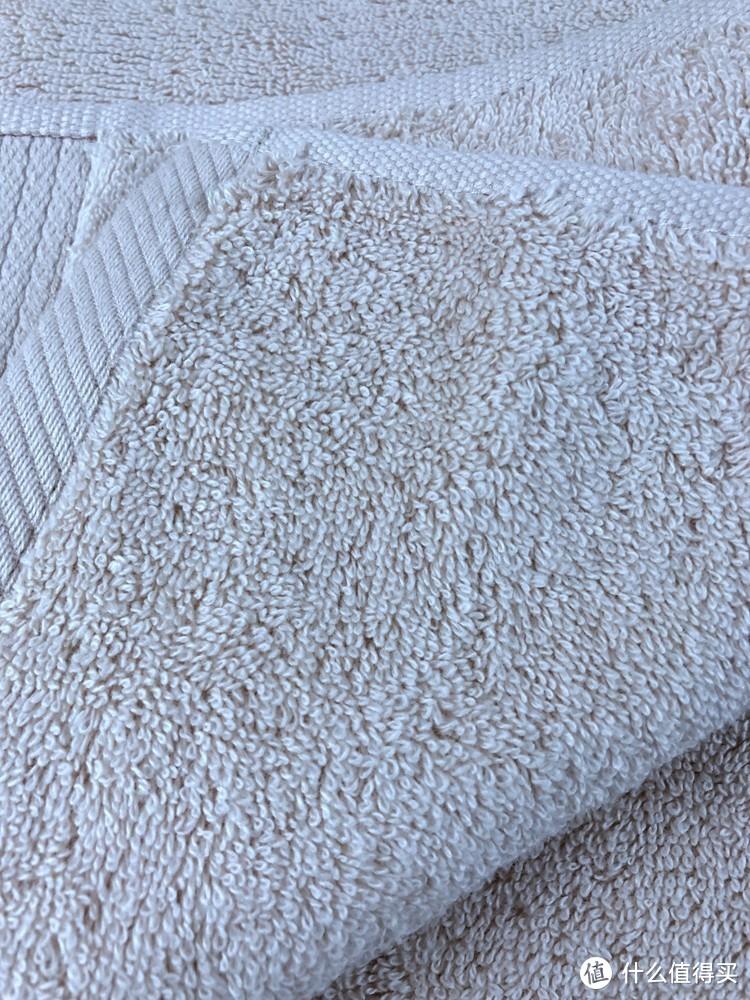 非常厚重,目前的主力浴巾-三利 A类加厚长绒棉缎边大浴巾 70×150cm 使用感受