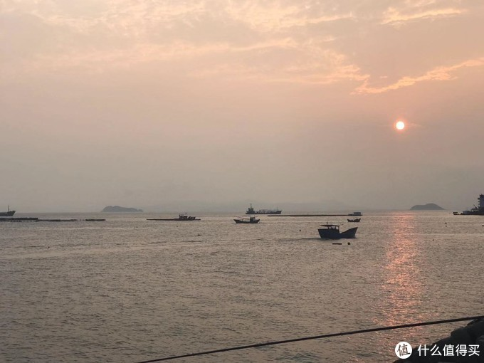 渔舟唱晚,归航中的落日