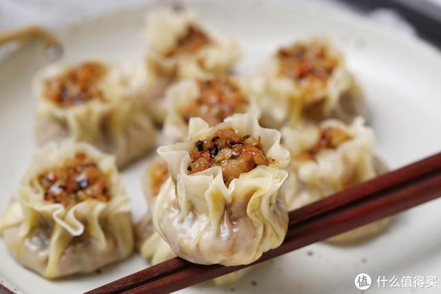 这面食比饺子简单,比馒头省力,皮薄馅大香气扑鼻,当早餐正合适