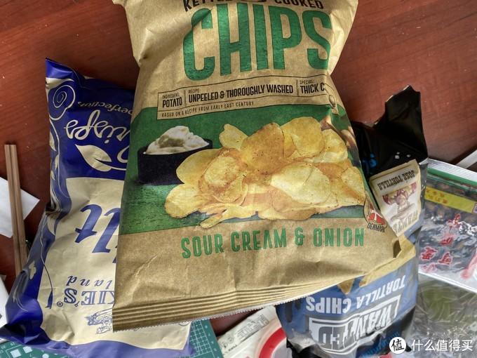 震惊!小伙用93元在京东超市买了16袋零食