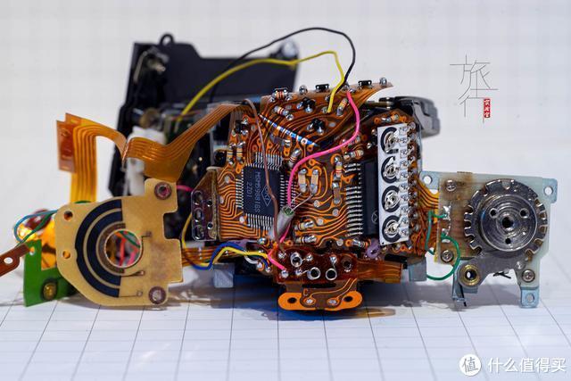 FX-D的控制电路中应用了集成电路,这是日本厂商的强项。 旅行实验室拍摄