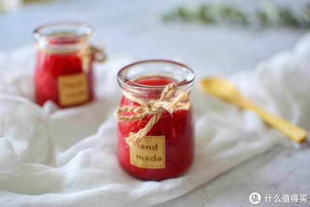 草莓酱不用买,只需加一种食材,几分钟就能搞定,酸甜可口人人爱
