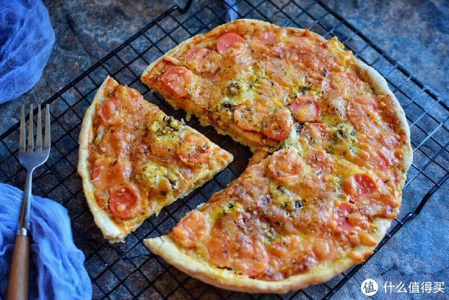 老婆在家做的披萨,想吃啥就放啥,越嚼越香,再也不用点外卖了