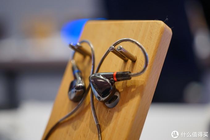 一千块钱全功能无线好音质!海贝R3PRO播放器评测与海贝W3无线耳放评测