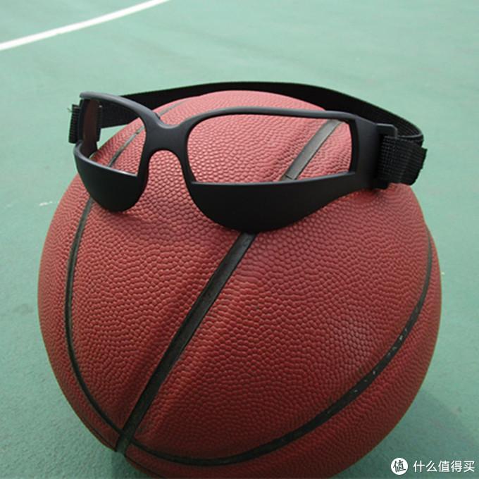 想提升球技?光靠打野球可不够!这10个实用的篮球训练器材请收好