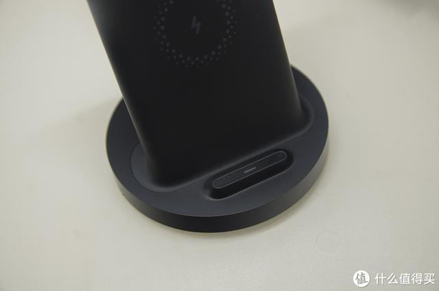 雷军也在用它为手机充电,最称心的小米立式无线充电器评测