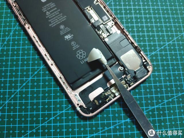 iPhone 7P电池非换不可,选择马拉松电池自行更换,再战三载可否