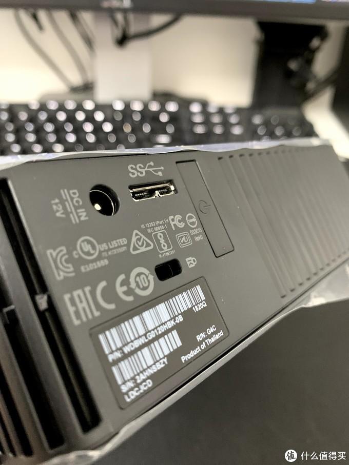 背面是不是除了USB3.0的接口,剩下的都差不多!