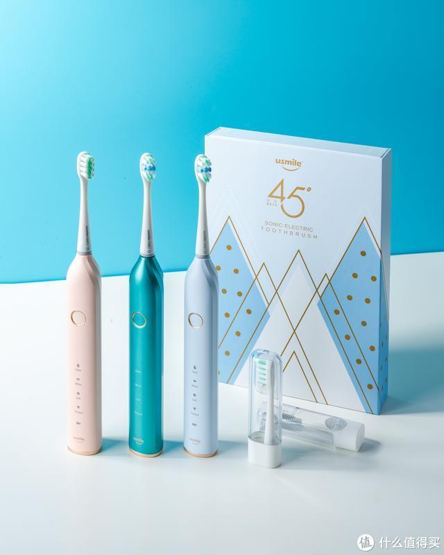 你以为电动牙刷就能保护牙齿了?看45度小白刷科学呵护口腔健康