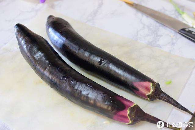 做茄子的时候别忘了这一步,这样做比肉都香,还不油腻,一学就会