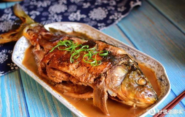 炖鱼这样做才不破皮、更入味,绝对的下饭神器,儿子一次能吃半条
