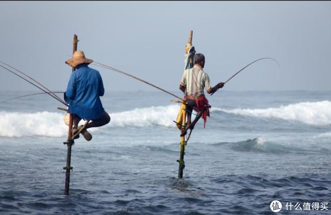 说到钓鱼,值友们是不是想到这,一根竹杆绑截鱼线,系个鱼钩一条马扎?