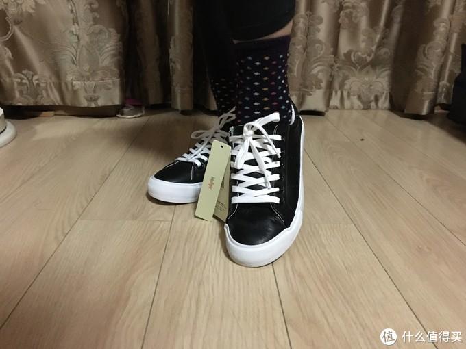 图书馆猿のINTERIGHT系列晒单 13:时尚牛皮低帮系带女式休闲鞋