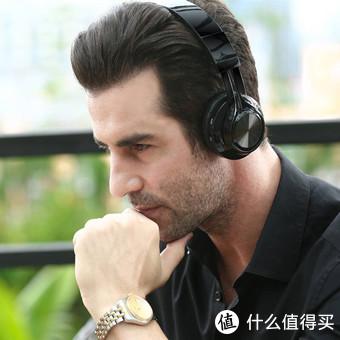 头戴式耳机虽然看着酷,但戴时间长了总避免不了夹头疼