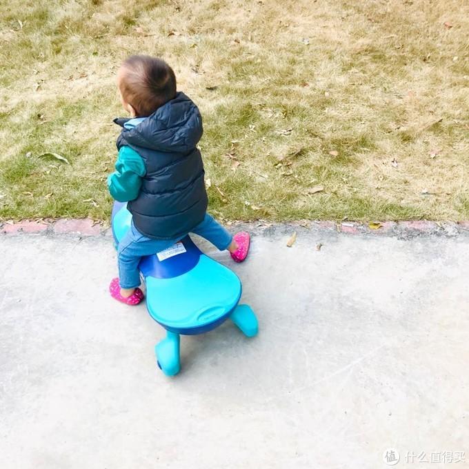 双十二,给小朋友买了一台扭扭车