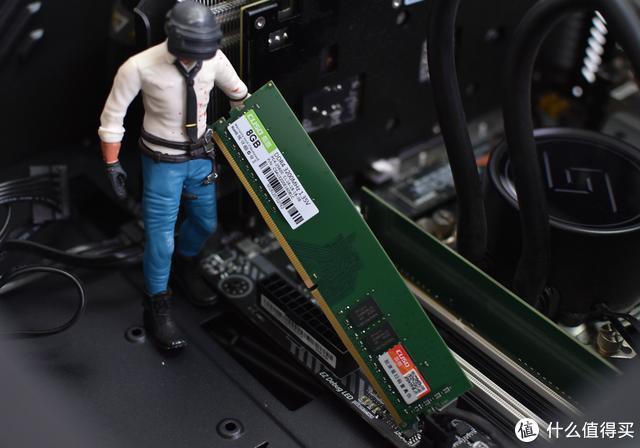 刚需升级上了趟酷兽的白菜车,8G 3200解毒真香!