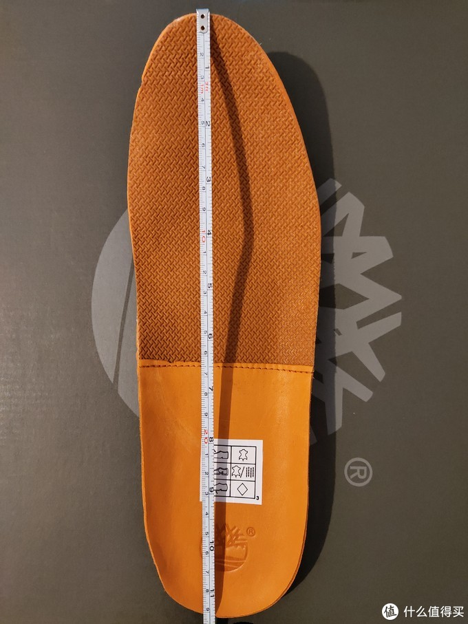 44.5的鞋垫,含卷边长度295mm,去掉卷边长290mm,也就是内长290mm(鞋垫在鞋内也是自然弯曲,所以这样测数据比较准确)