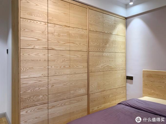 橡木地板&莫兰迪灰墙面,被这套白蜡木订制美哭了